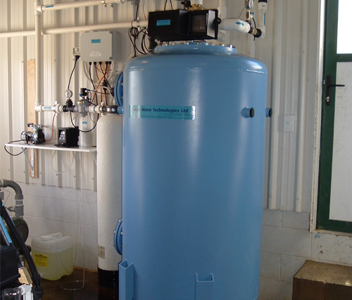 Iron removal, oxidised iron removal rust removal system with automatic control